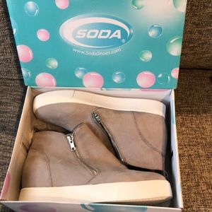 Brand New Soda Taylor G Gray wedge sneakers